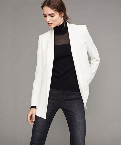 Outfit - Sneaky Blazer